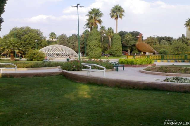 تحلیل پارک آزادی شیراز و مجتمع فرشچیان اصفهان