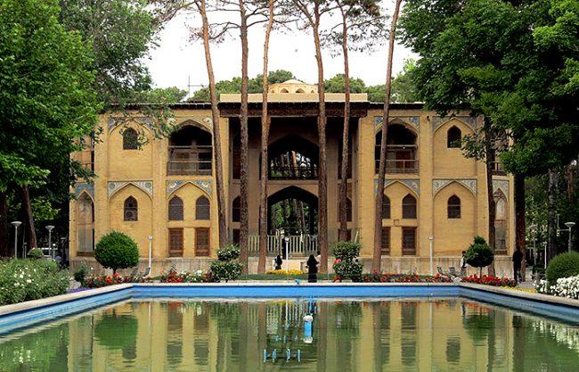 حفظ و مرمت کاخ هشت بهشت اصفهان